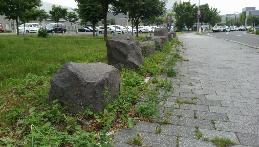 札幌コンベンションセンター-野面外柵石